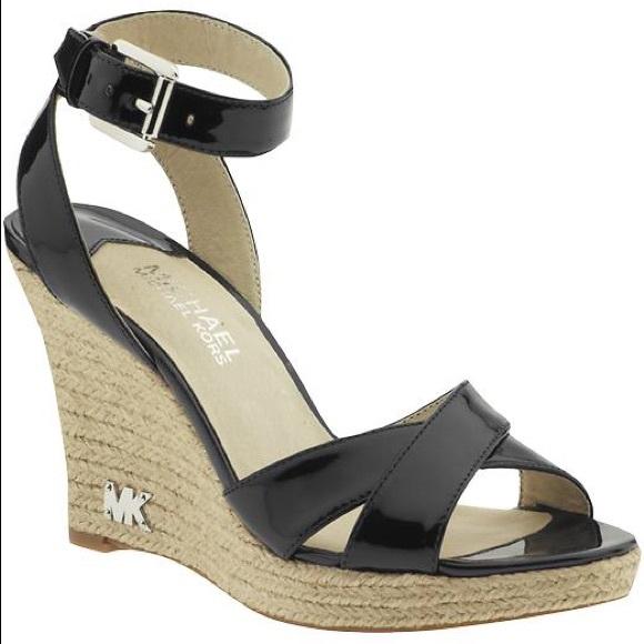 2544aedb415 Michael Kors Kami Ankle Strap Wedge Sandal SZ 8. M 5ab58eab05f430f4753b5b80